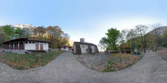 Manastir_Ivan Pusti